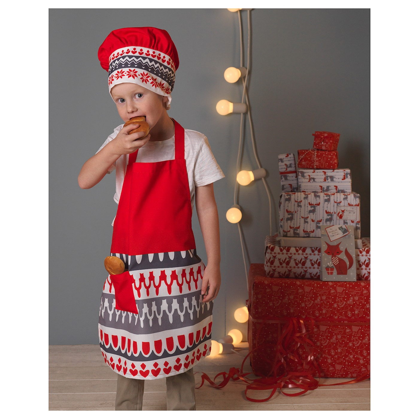 IKEA VINTER 2017 children's apron with chef's hat