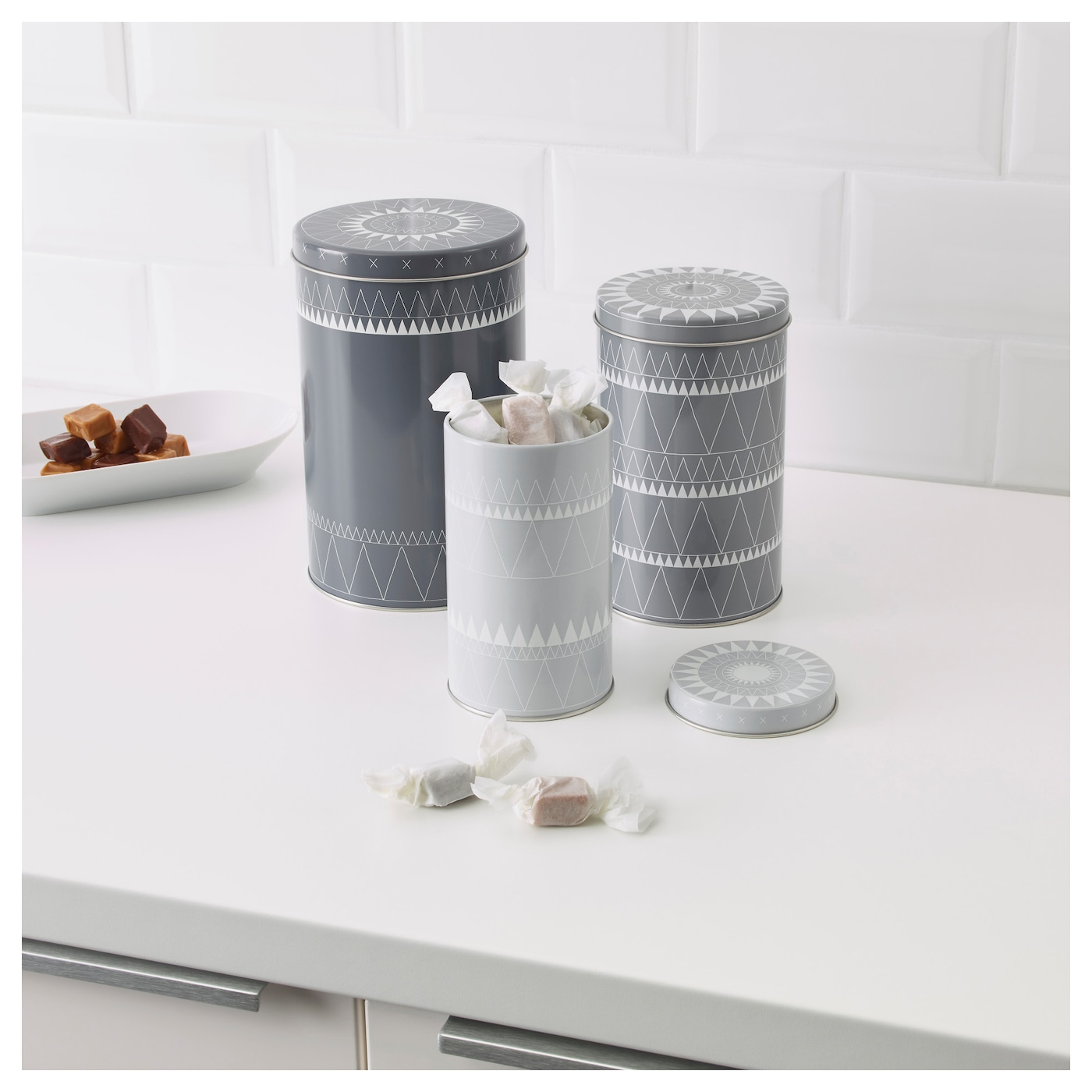 IKEA VINTER 2017 tin with lid, set of 3 Suitable for cakes, biscuits and other dry foodstuffs.