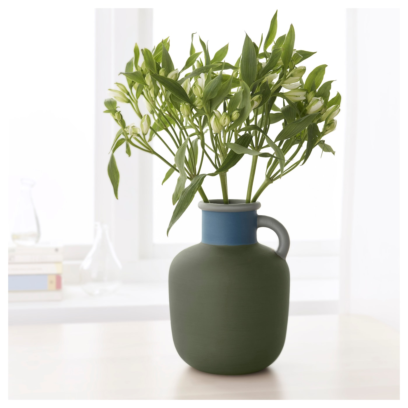 ypperlig vase green 23 cm ikea. Black Bedroom Furniture Sets. Home Design Ideas
