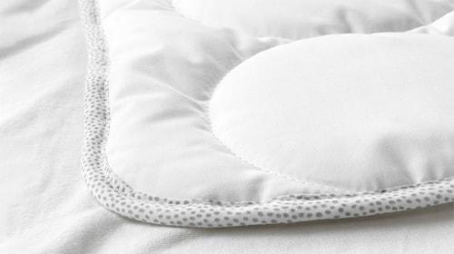 Дитячі ковдри та подушки