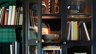 Bookcase & cabinet lighting