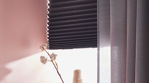 Curtains, curtain rods & blinds