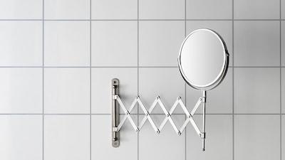 Makeup & magnifying mirrors