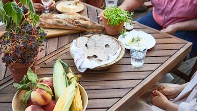 Садові столи