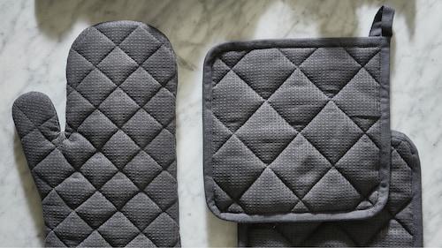 Pot holders & oven gloves