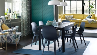 Dining table for 6 seats