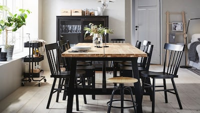 Dining table for 8 seats
