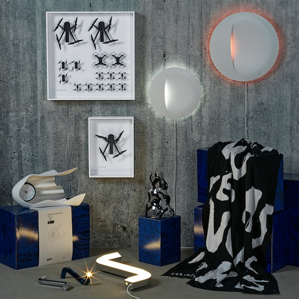 IKEA ART EVENT 2021 LED-es asztali lámpa, imbuszkulcs alakú ezüstszínű/USB