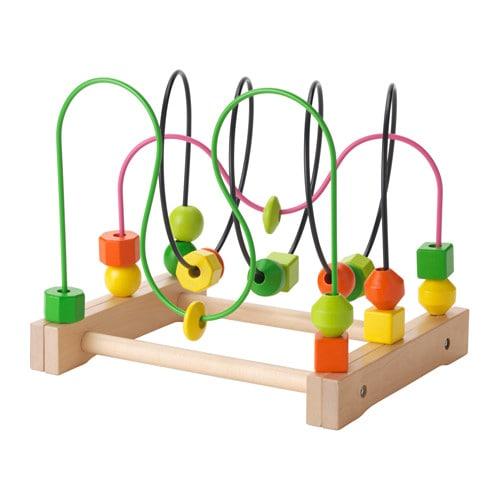 MULA Gyöngy hullámvasút IKEA Fából készült gyöngyöket mozgatni egy pályán szórakoztató módja annak, hogy sokat tanulj a színekről és a formákról.