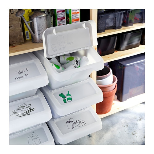SORTERA Szelektív hulladékgyűjtő tetővel IKEA A teteje felhajtható, így a tartalma könnyen hozzáférhető, ha több dobozt egymásra teszel.