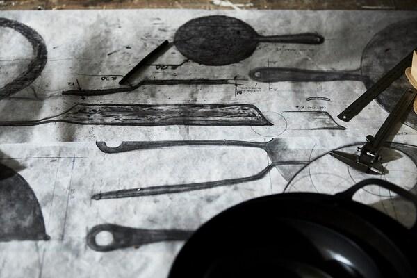 VARDAGEN Serpenyő, szénacél, 28 cm
