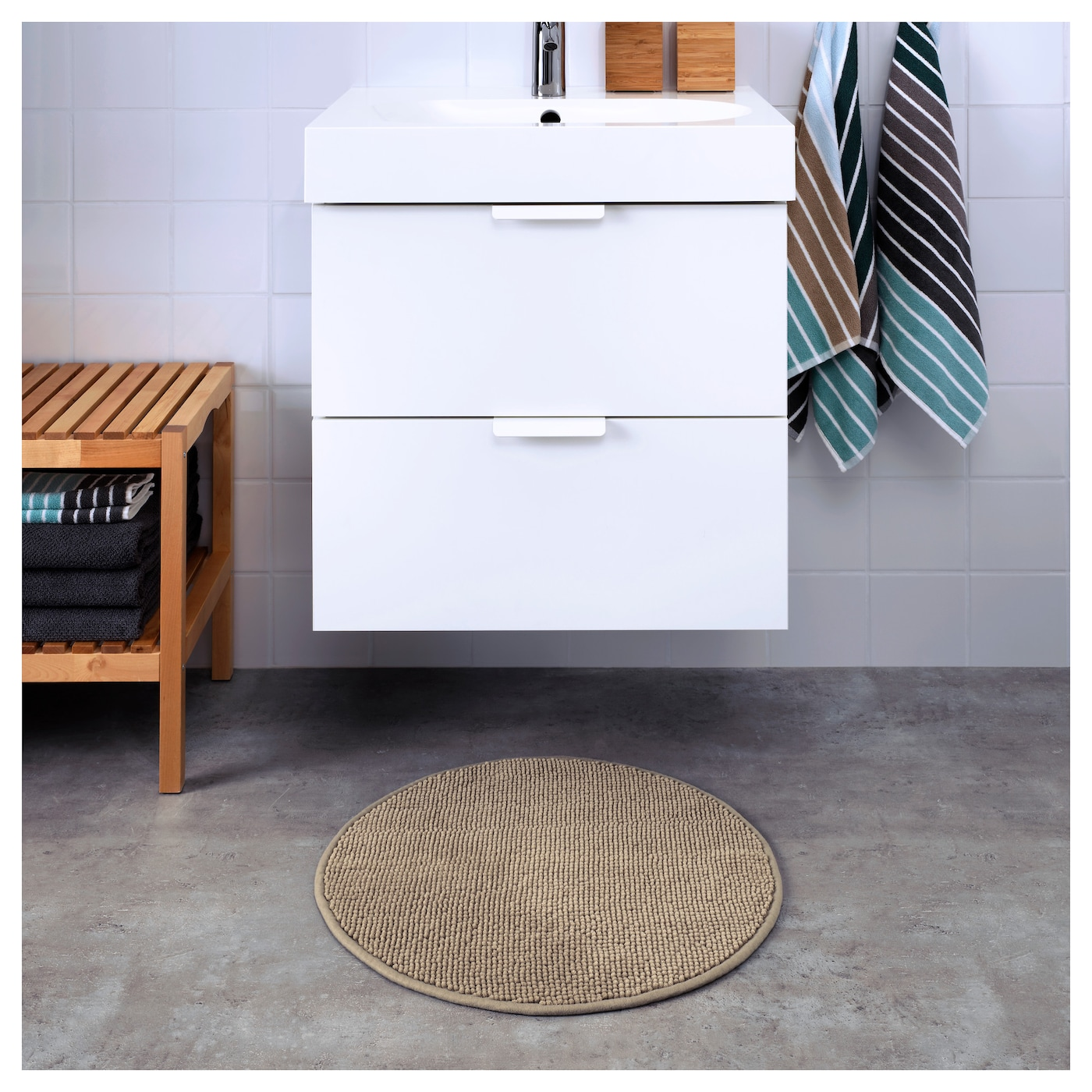 IKEA BADAREN bath mat Ultra soft, absorbent and quick to dry since it's made of microfibre.