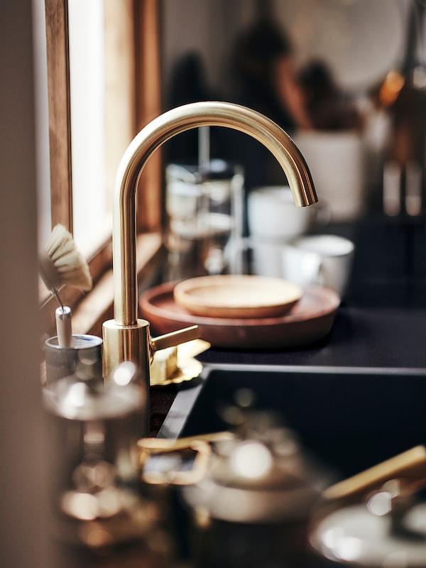 DELSJÖN Kitchen mixer tap, brass-colour