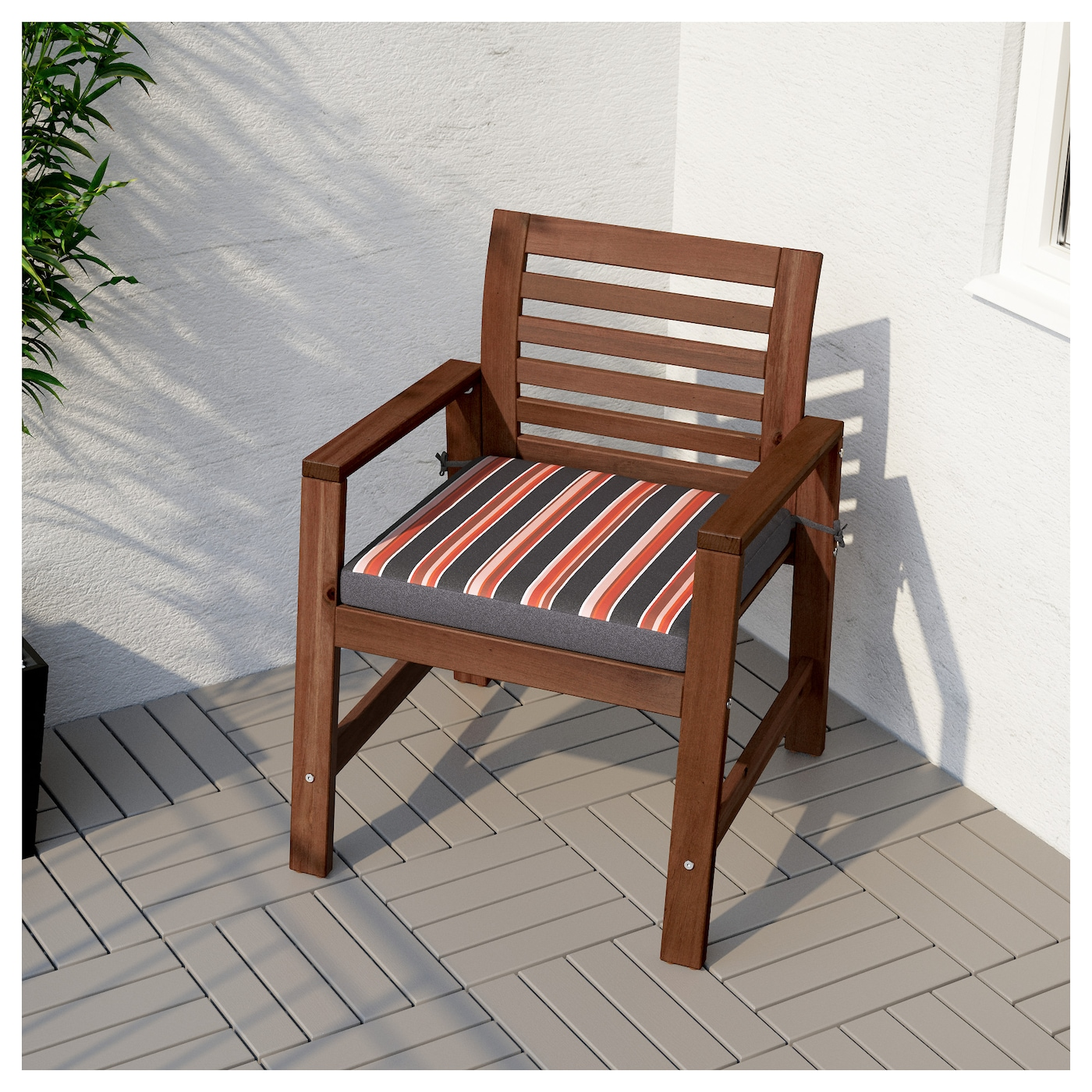IKEA EKERÖN chair cushion, outdoor Ties keep the cushion firmly in place on the chair.