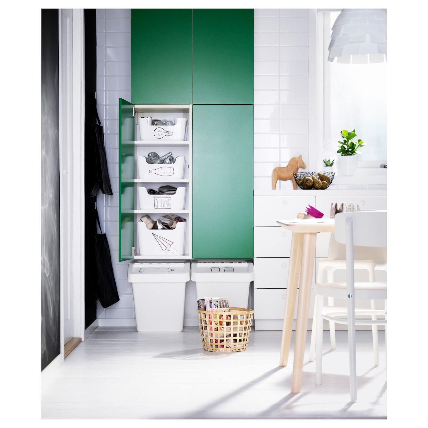 IKEA FLÄDIE door 25 year guarantee. Read about the terms in the guarantee brochure.