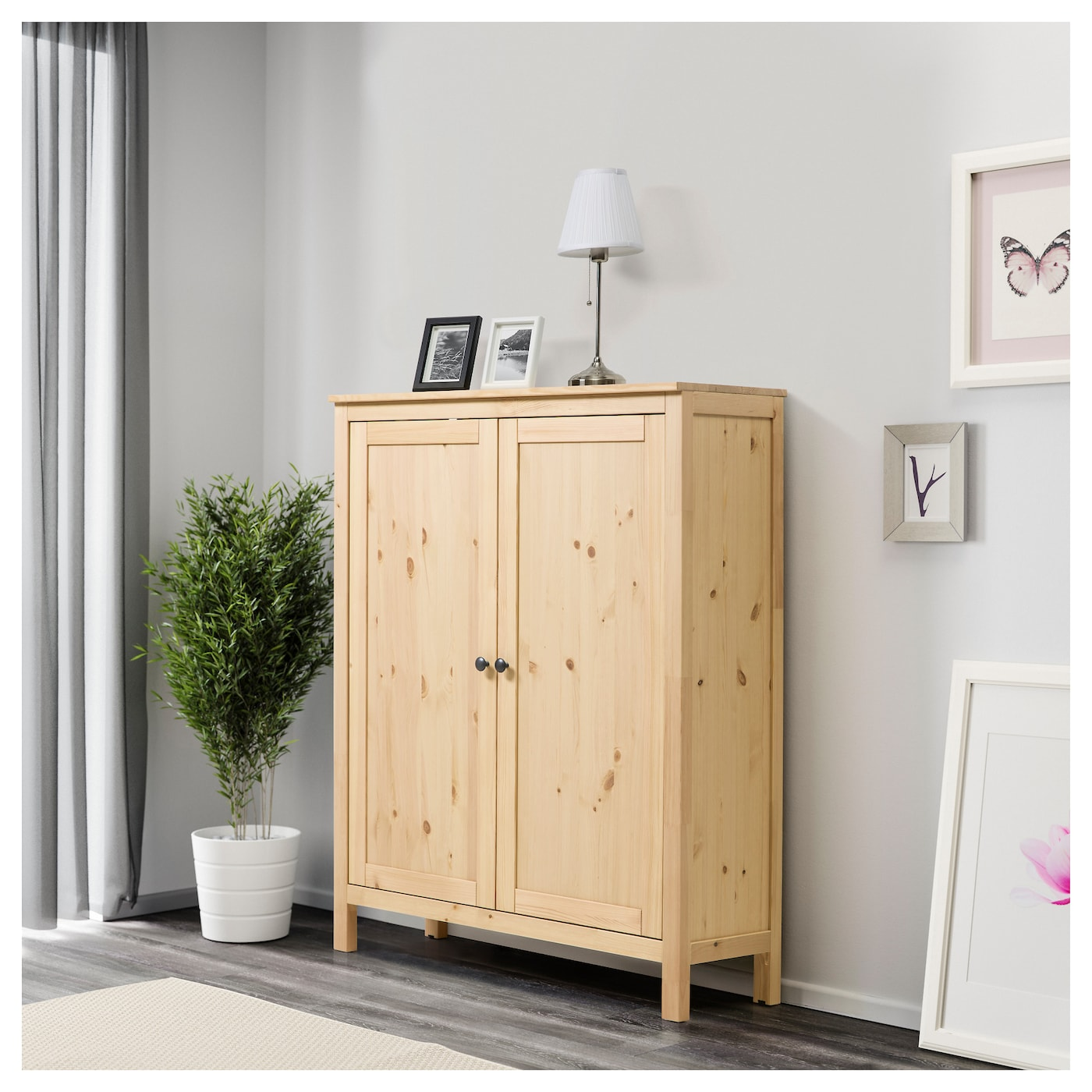 hemnes cabinet with 2 doors light brown 99x130 cm ikea. Black Bedroom Furniture Sets. Home Design Ideas