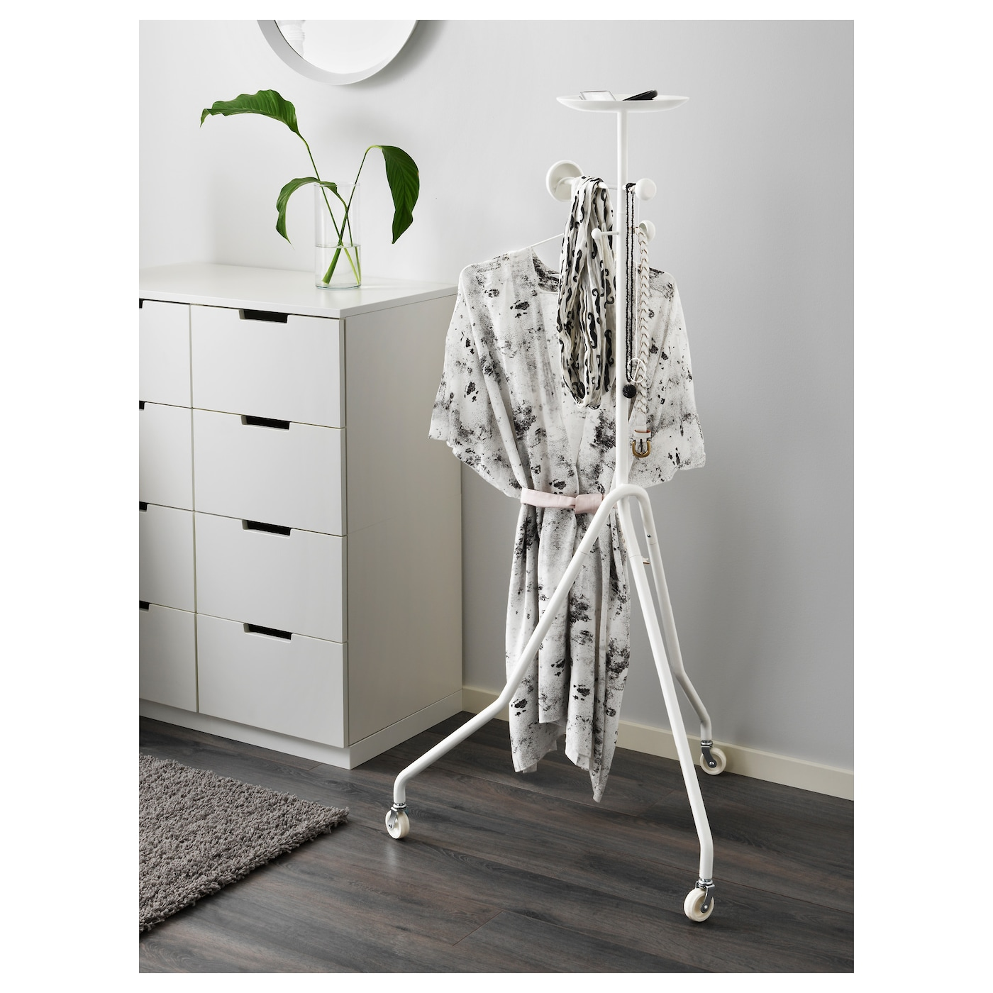 ikea ps 2017 valet stand white ikea. Black Bedroom Furniture Sets. Home Design Ideas