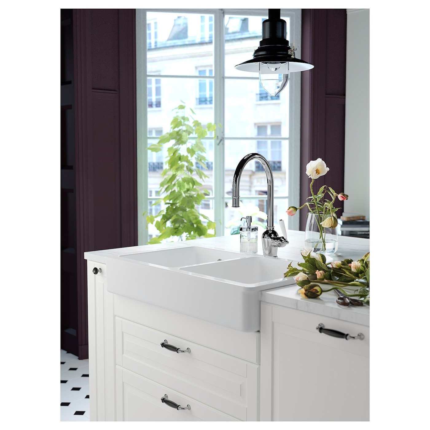IKEA INSJÖN kitchen mixer tap w pull-out spout Rinsing dishes is easier with the pull-out spout.