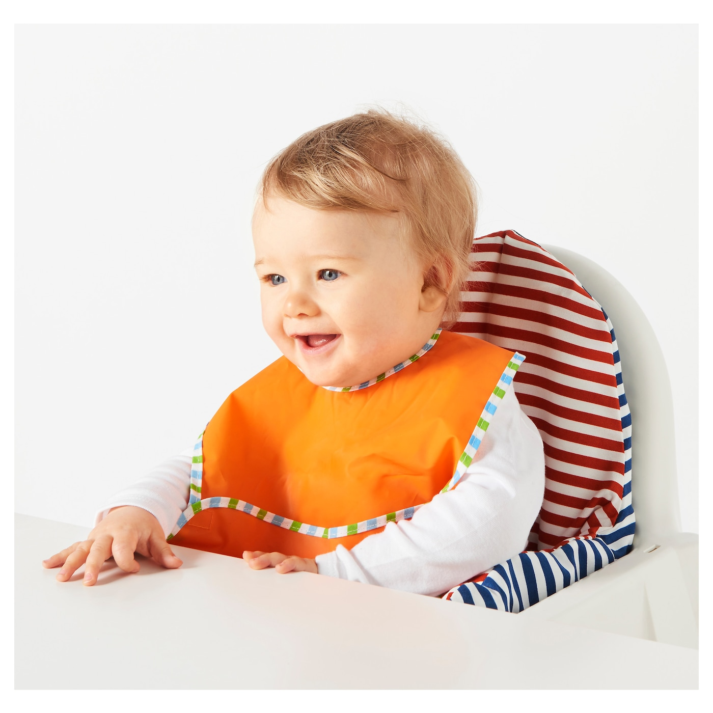 IKEA KLADD RANDIG bib The touch and close fastening makes it easy to put on and take off.
