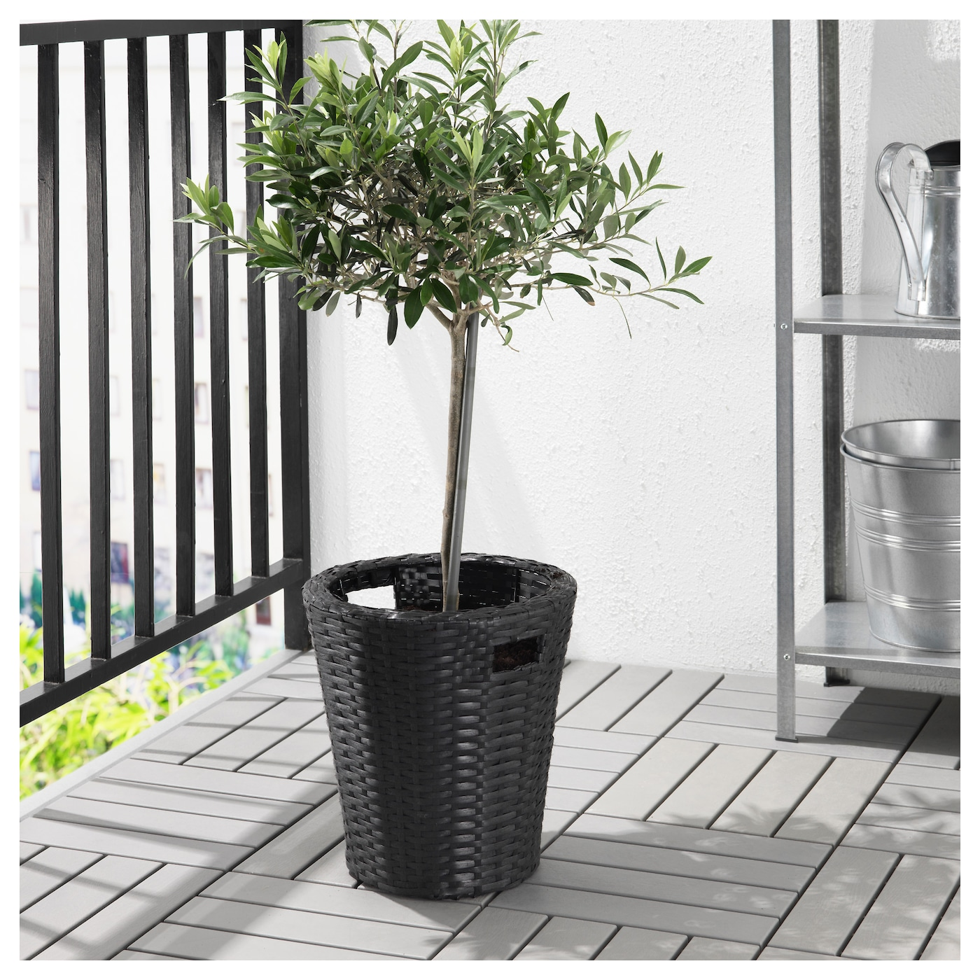 Kokbanan plant pot in outdoor black 24 cm ikea for Black planters ikea