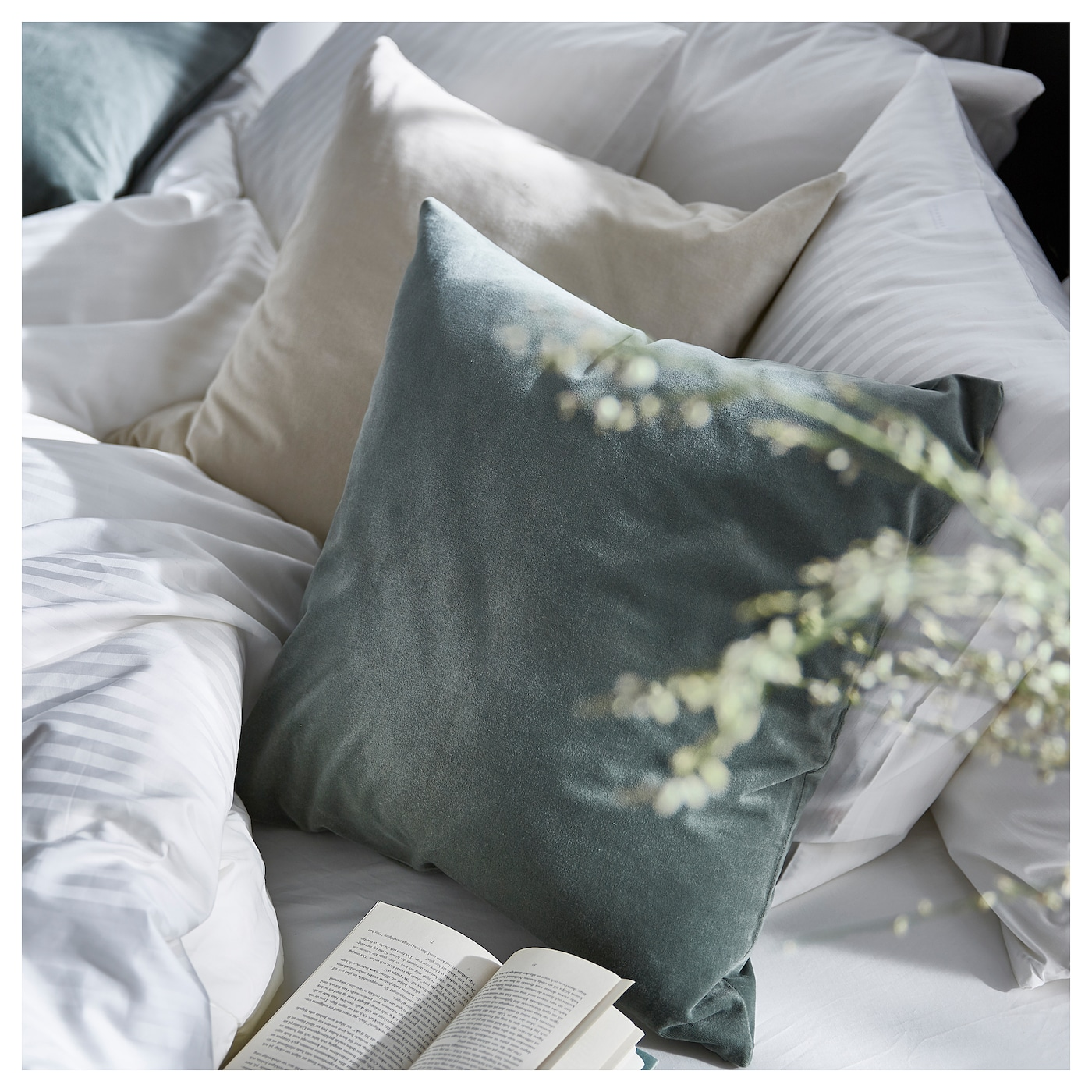 IKEA MATHEA throw Can be used as bedspread for a single bed or as a large blanket.