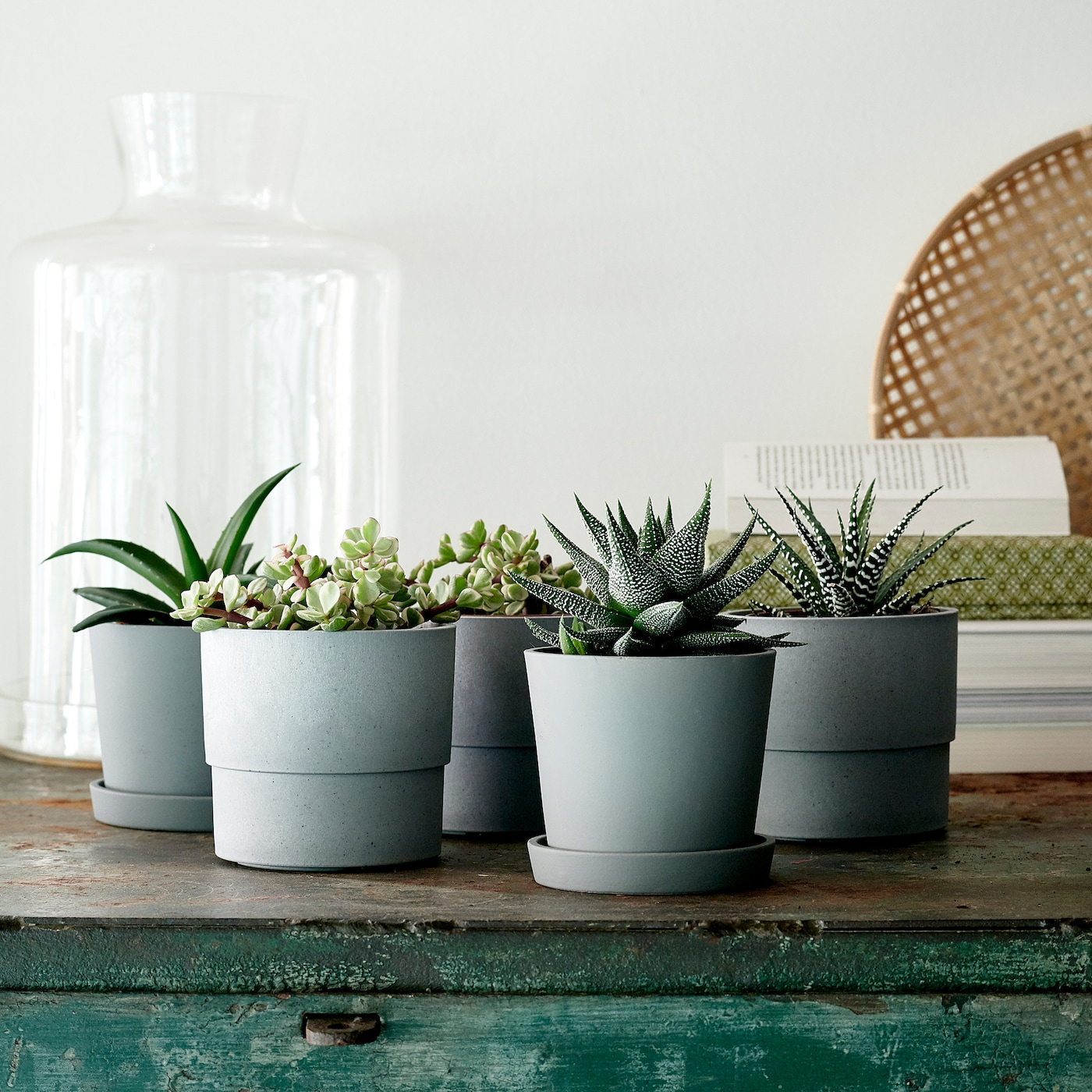 IKEA NYPON plant pot Looks like a concrete pot, but is made from minimum 70% recycled plastic.