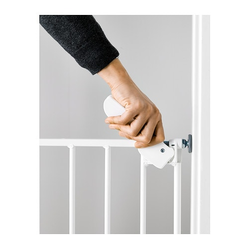 Kleiderschrank Regalsystem Ikea ~ IKEA PATRULL KLÄMMA safety gate The gate opens both inwards and