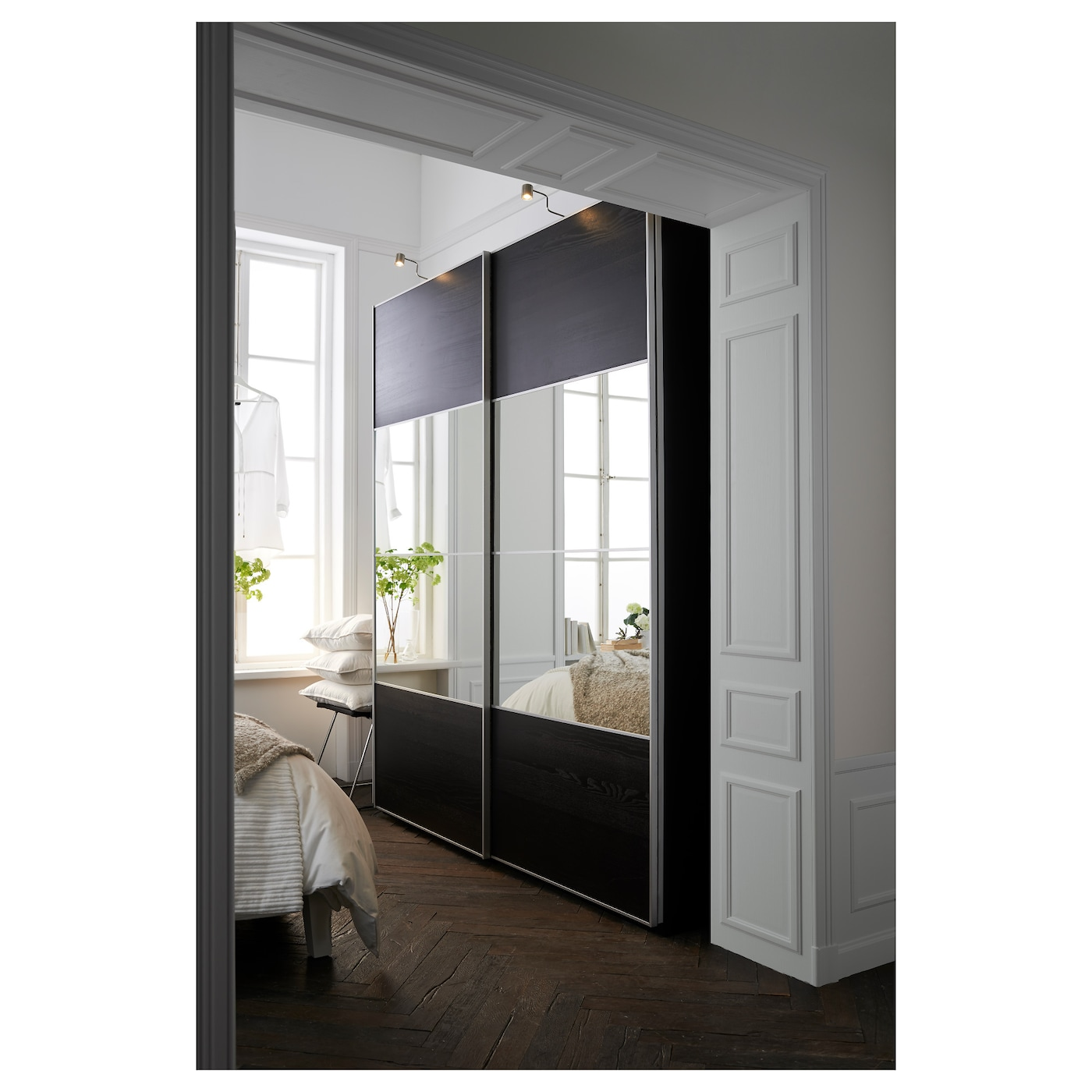 Pax wardrobe black brown auli ilseng 200x66x236 cm ikea for Porte coulissante miroir