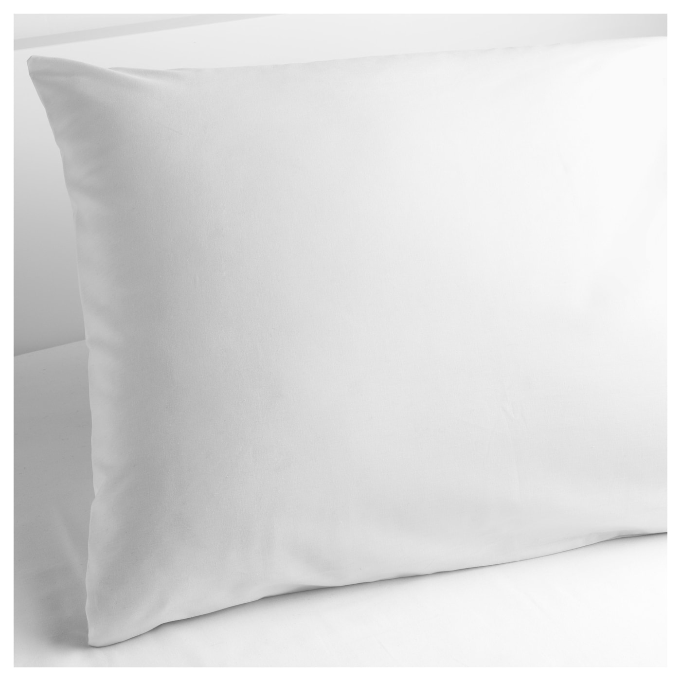 IKEA SÖMNTUTA pillowcase Made in 100% cotton ‒ a natural and durable material.