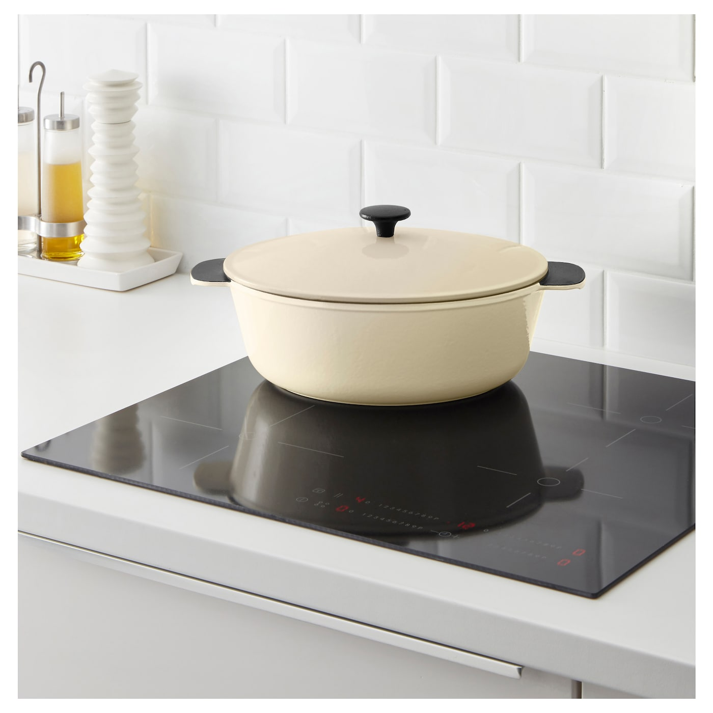 IKEA SENIOR casserole with lid 25 year guarantee. Read about the terms in the guarantee brochure.