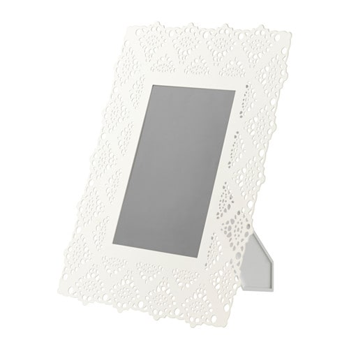 IKEA SKURAR frame Front protection in durable plastic makes the frame safer to use.