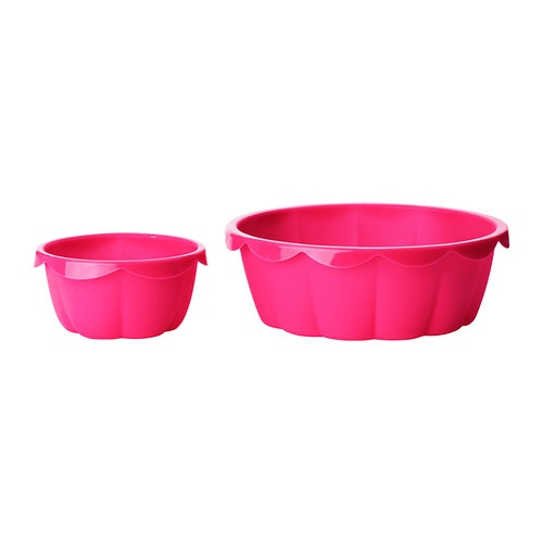 IKEA SOCKERKAKA baking mould, set of 2 The silicone makes the pastry release easily from the moulds.