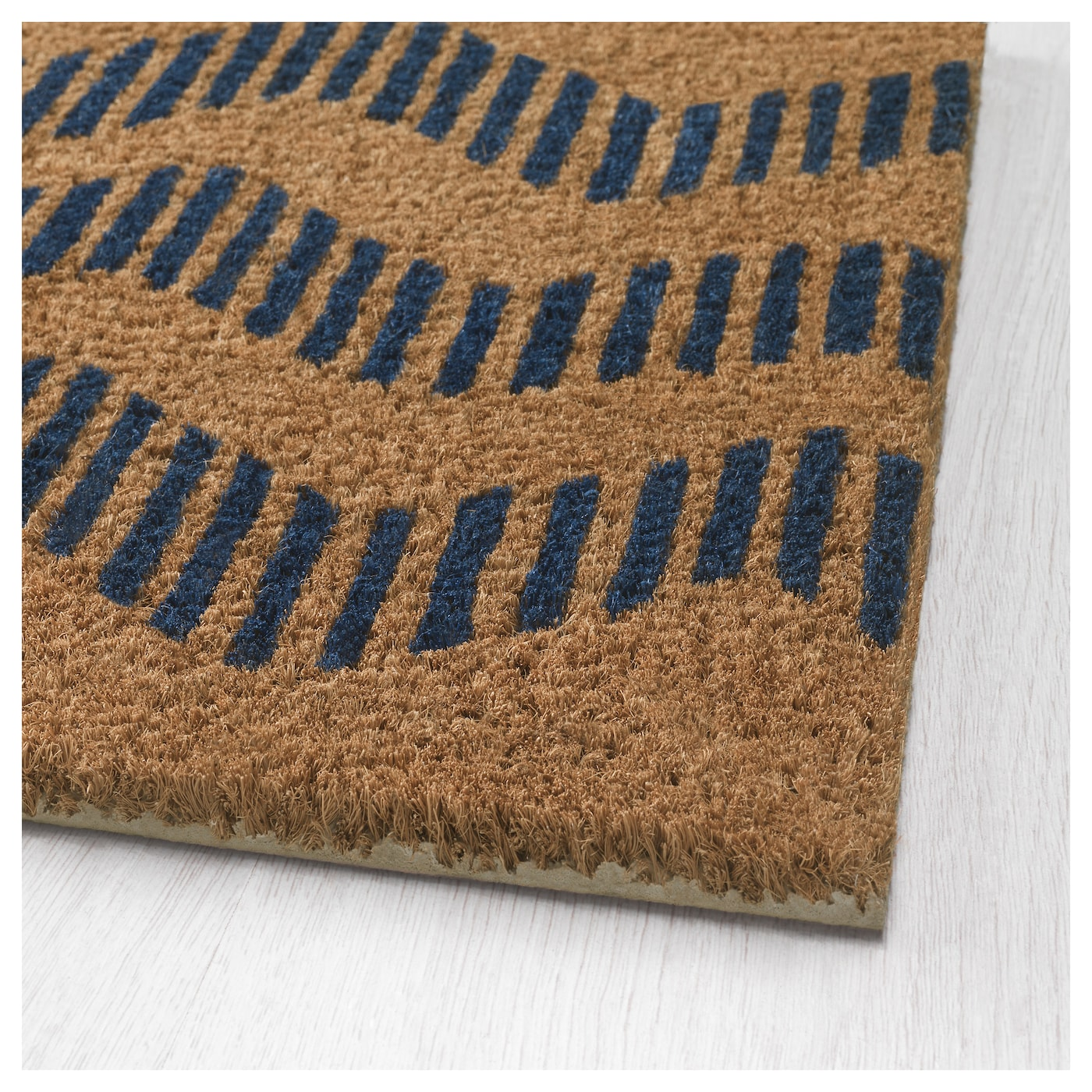 IKEA SOMMAR 2016 door mat Easy to keep clean - just vacuum or shake the rug.