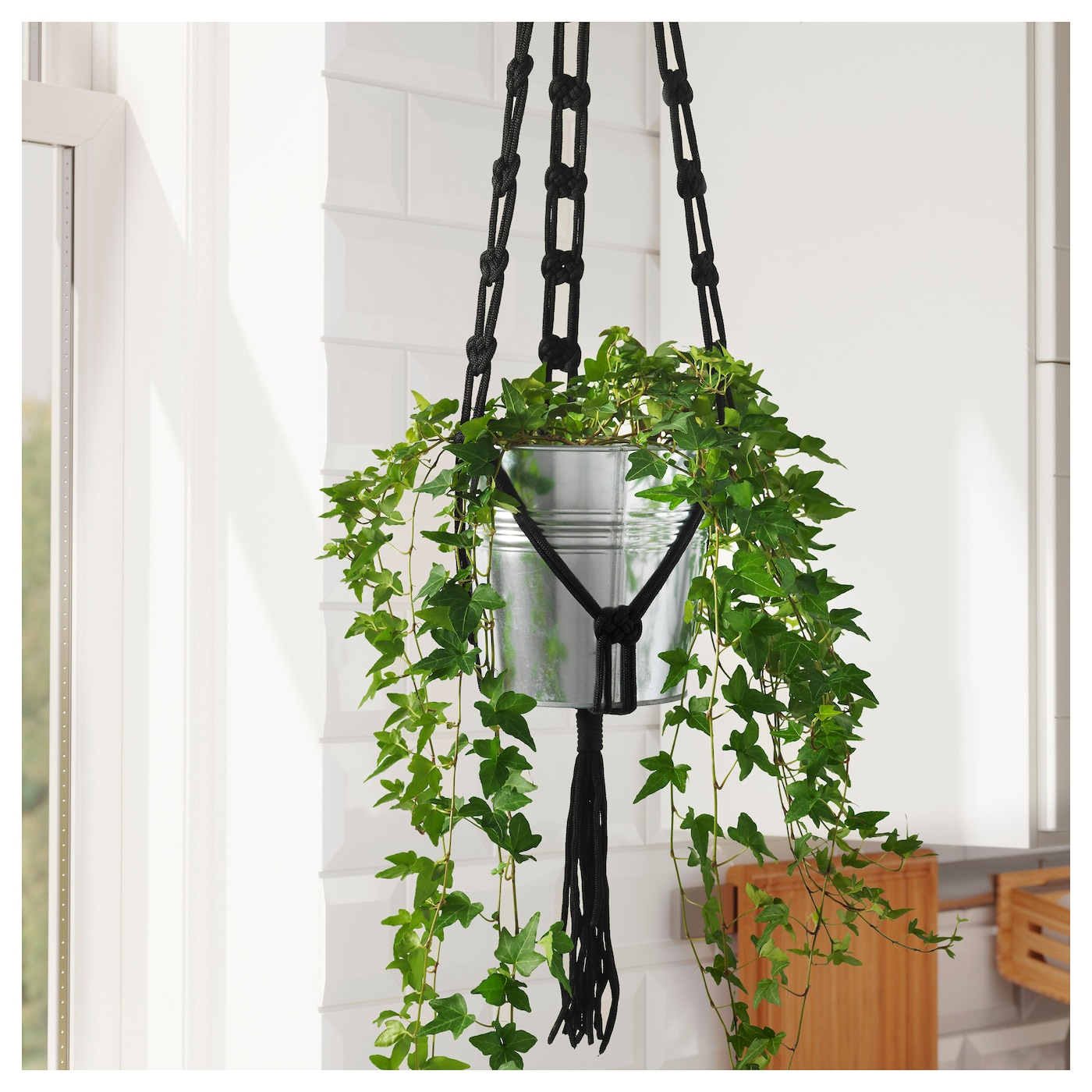 Sommar 2018 plant pot hanger in outdoor black ikea for Black planters ikea