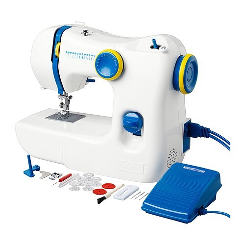 IKEA SY sewing-machine A 10-piece accessory kit is included. The handle makes it easy to carry.