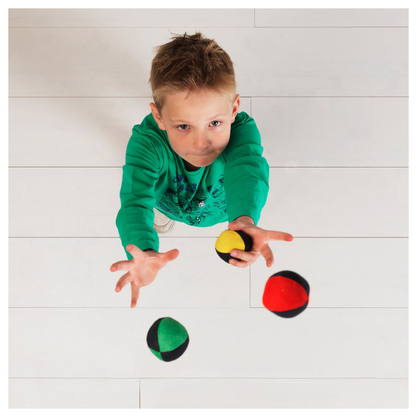 IKEA TRÄNING juggling set Juggling helps your child develop important concentration skills.