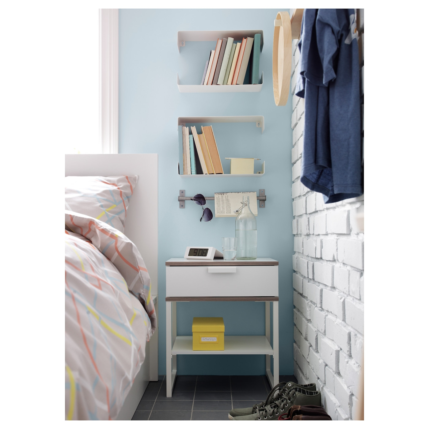 Trysil bedside table white light grey 45x40 cm ikea for Table lit ordinateur ikea