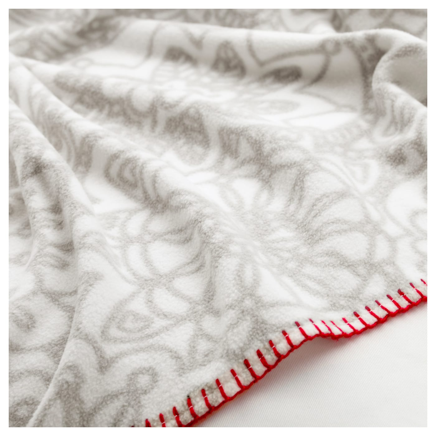 IKEA VÄNSKAPLIG blanket You can use the blanket on top of a sheet or inside a quilt cover.