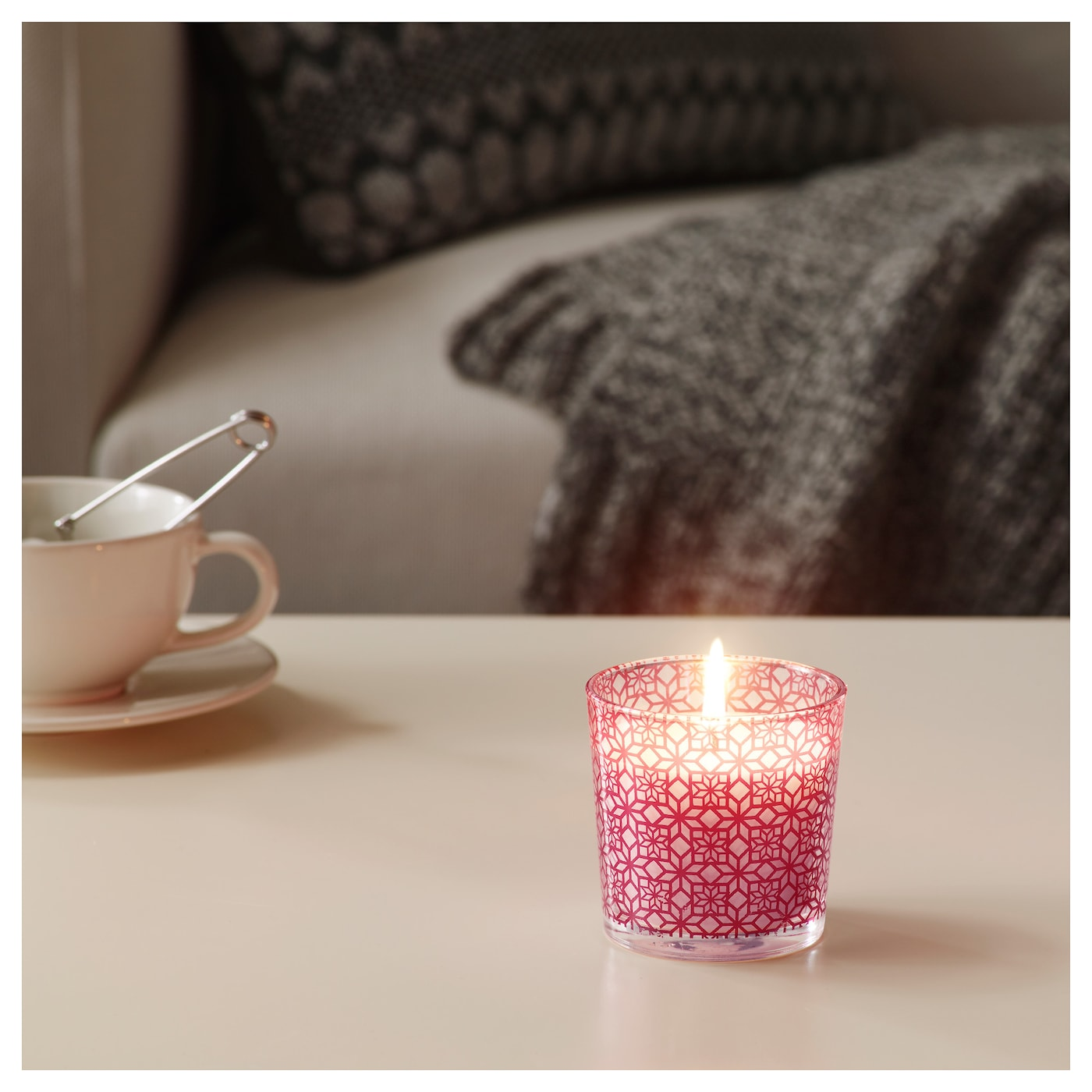 IKEA VINTER 2017 scented candle in glass A refreshing and distinct scent of a wintry sea.