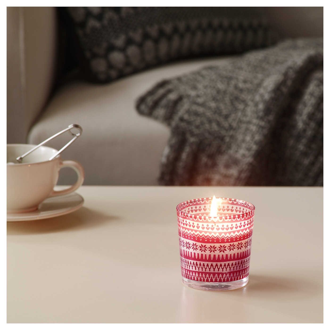 IKEA VINTER 2017 scented candle in glass A warm and spicy scent of berries, evergreen and vanilla.