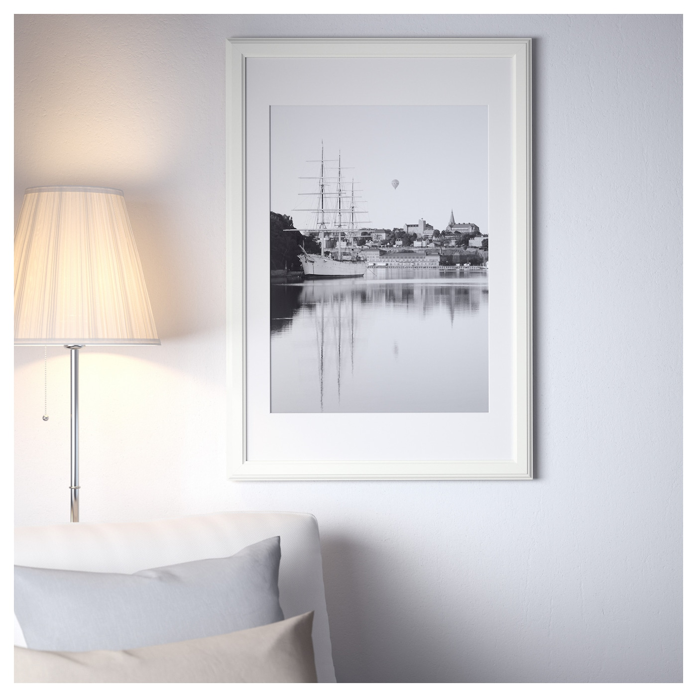 IKEA VIRSERUM frame Can be hung horizontally or vertically to fit in the space available.