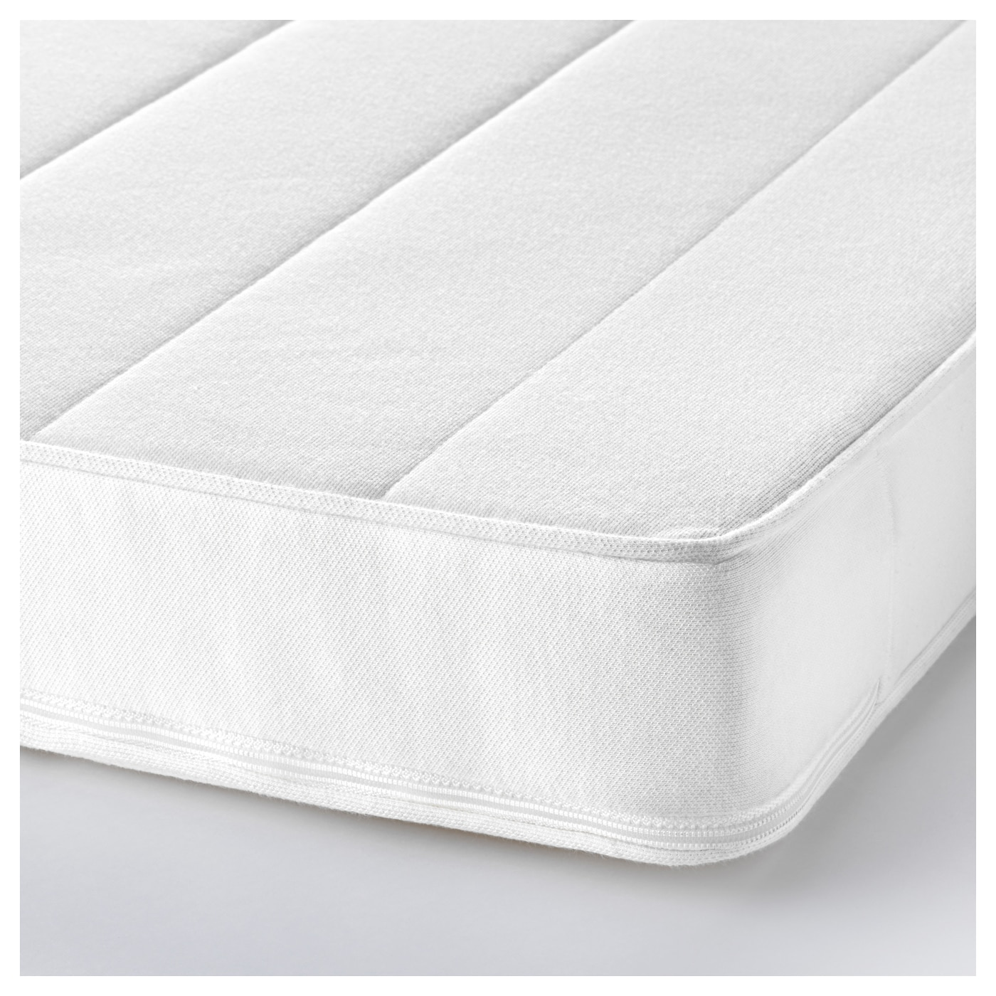 IKEA VYSSA SKÖNT mattress for cot Pressure-relieving cold foam gives good comfort for your baby.