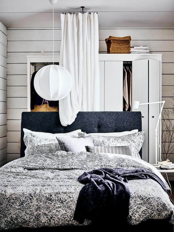 침실을 계획하고 장식하는 단계별 가이드