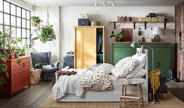 hemnes stauraum im schlafzimmer ikea. Black Bedroom Furniture Sets. Home Design Ideas