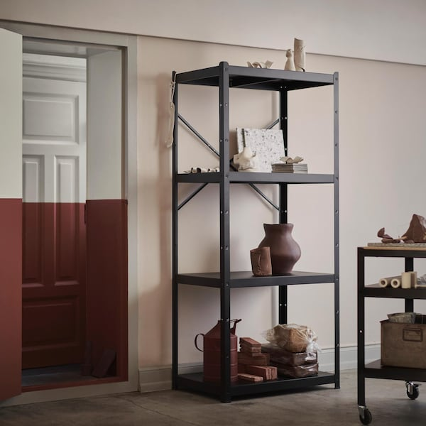 Uno scaffale pronto a tutto ikea for Ikea scaffali in metallo