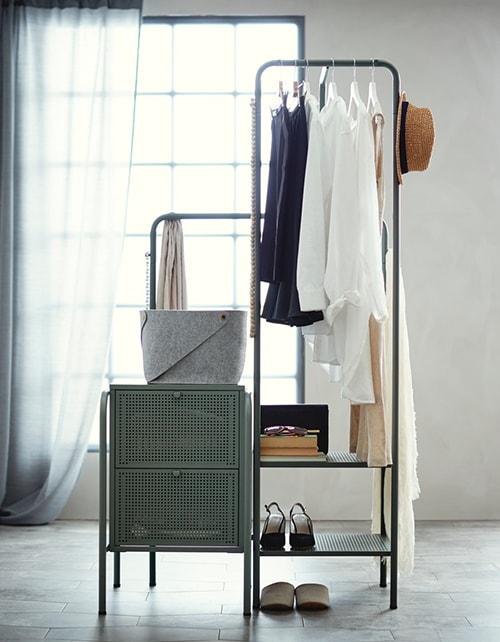 Напольные металлические вешалки и комод из серии НИКЕБИ для прихожей
