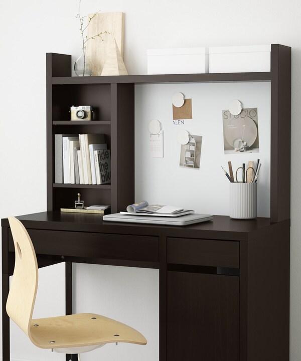 Рабочий кабинет письменный стол коричневый