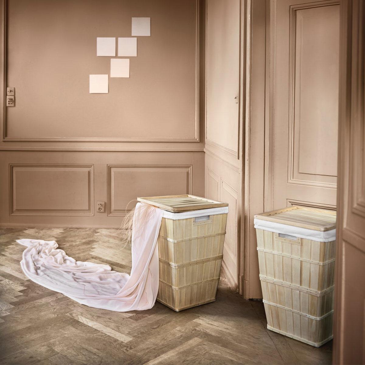 Due ceste per bucato in legno, dotate di coperchio e fodera interna asportabile e lavabile - IKEA