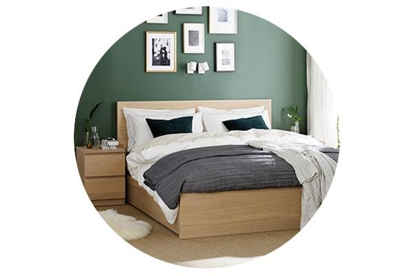 Серия мебели МАЛЬМ для спальни включает кровати, комоды и прикроватные тумбы