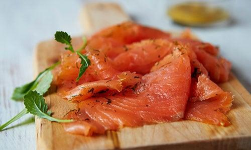 20 % de réduction* sur les produits de saumon SJÖRAPPORT. L'offre est valable du 1er au 31 octobre 2021 en magasin et en ligne.
